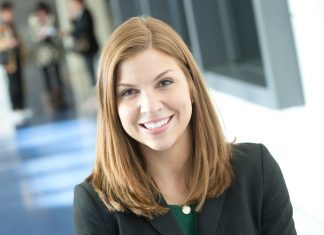 Holly Price (MBA '17), winner of a Mayleben Family Venture Shaping Grant for her business plan, Sage & Grace, a concierge service for end-of-life planning.